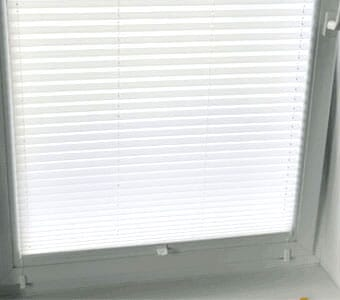 Befestigung mit Klemmträger Slim am Fensterflügel